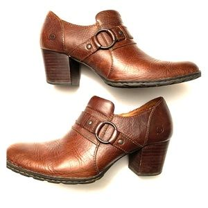 Born brown leather bootie shoes w/buckle